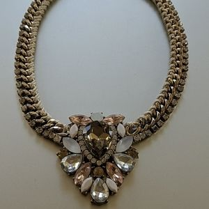 Jewelry - Pink neutral toned Necklace